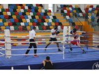 Boks Milli Takım sporcuları 2021'e hazırlanıyor