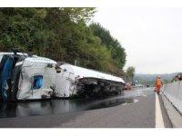 Bolu Dağı yolunda otomobille tanker çarpıştı