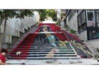 Beyoğlu'nun kullanılmayan merdivenleri sanatla buluştu