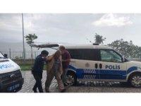 Bursa'da eşini sokak ortasında böyle vurdu