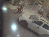 Kaza ânı saniye saniye kameraya yansıdı