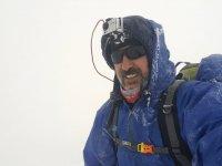 Türkiye'nin 81 farklı zirvesine tırmanacak olan dağcı, Ağrı Dağı zirvesinde 3 gün geçirdi