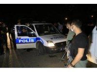 Ses bombası atarken polise yakalandılar