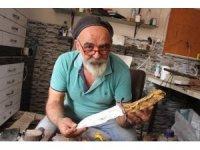 Bıçaklar ve savaş aletleri bu ustanın elinde sanat eserine dönüşüyor