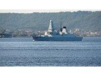İngiliz savaş gemisi Çanakkale Boğazı'ndan geçti