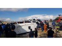 Konya'da minibüs devrildi: 12 yaralı