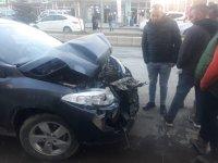 Ağrı'da sürat yapan araç kaza yaptı