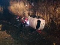 Ağrı'da kaçak göçmenleri taşıyan araç devrildi çok sayıda yaralı var