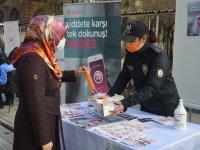 Ağrı'da 25 Kasım Kadına Yönelik Şiddetle Mücadele Gününde Vatandaşlar Bilinçlendirildi