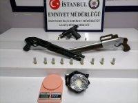 """""""Gel-al"""" uyuşturucu servisine polis baskını"""