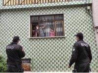 Çat kapı dolaşıp karantina kaçaklarını aradılar