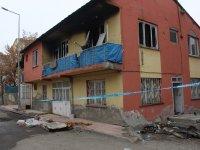 Ağrı'da 2 katlı evde çıkan yangında yaralanan Burak Murat tedavi altına alındı