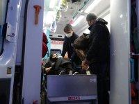 Ağrı'da kar nedeniyle köyde mahsur kalan hasta kadın paletli ambulansla kurtarıldı