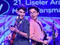 Ağrı'da Lise Öğrencileri En Çok Hangi Sanatçıyı Dinliyorlar