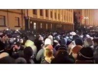 Ukrayna'da aktiviste verilen 7 yıl hapis cezası protesto edildi