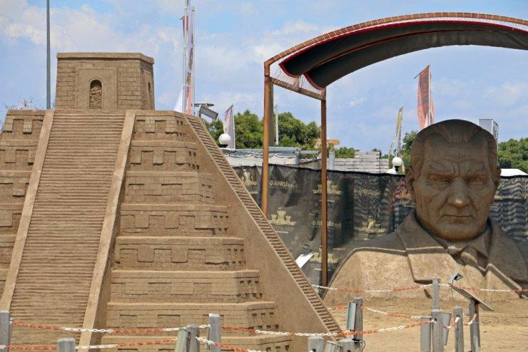 Kum Heykel Festivali ziyaretçilerini bekliyor