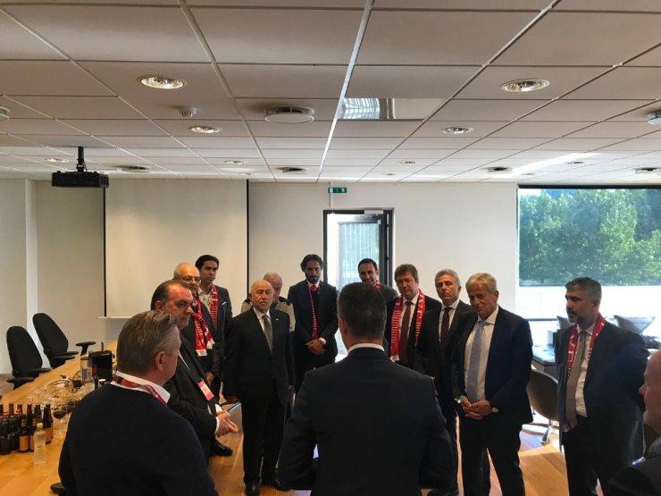 Nihat Özdemir, İzlanda Federasyon Başkanı ile bir araya geldi