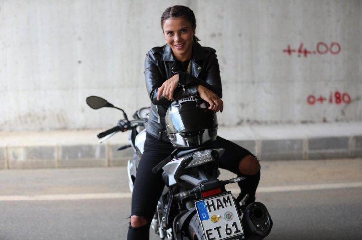 Survivor Sabriye'nin motosiklet tutkusu ! Binlerce beğeni aldı