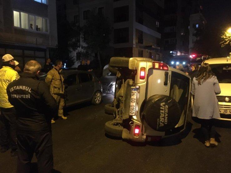 Eşinin park etmesini beğenmeyen koca kaza yaptı