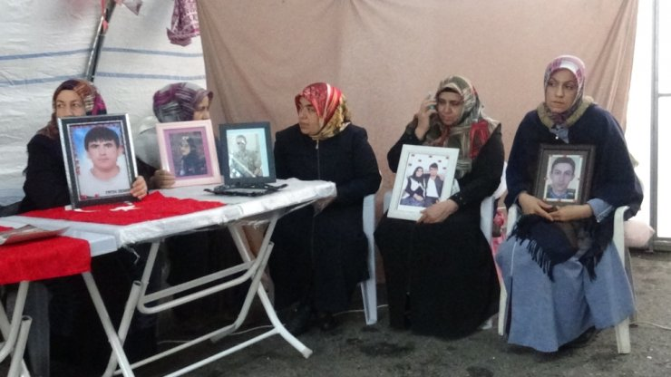 HDP önünde ailelerin evlat nöbeti 100. günde