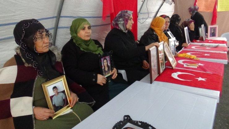 HDP önündeki ailelerin evlat nöbeti 101'inci gününde