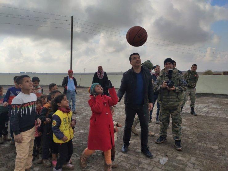 Barış Pınarı Harekatıyla çocukların yüzü güldü