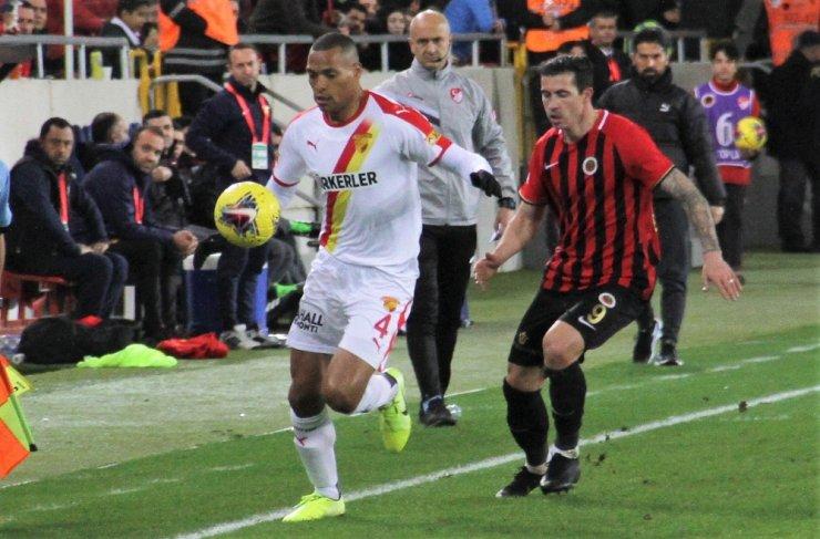 Gençlerbirliği Göztepe'yi 3 golle geçti