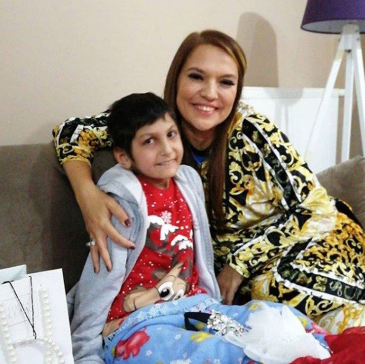 14 yaşındaki Hicran, 5 yıldır lösemi ile mücadele ediyor