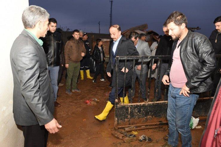 Şanlıurfa Valisi sel bölgesini ziyaret etti