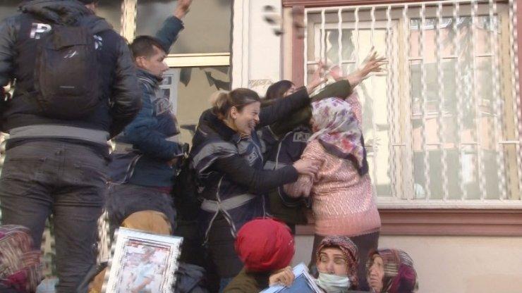 HDP'li vekiller binaya geldi, tansiyon yükseldi
