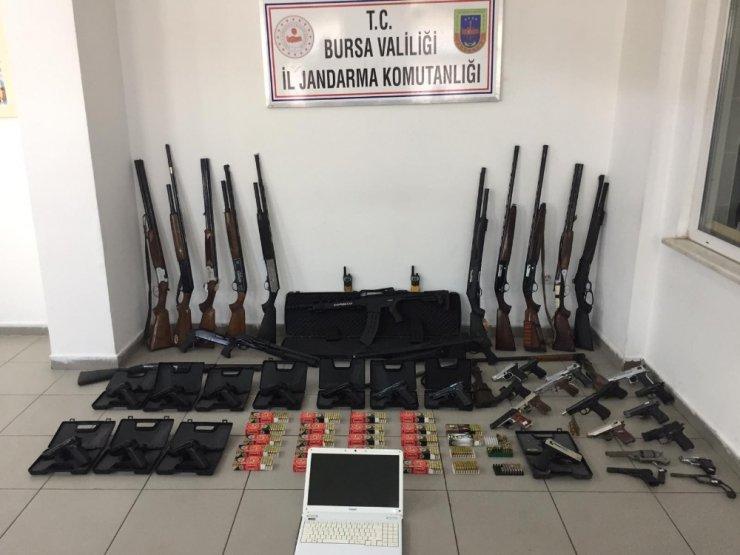 Bursa'da ve İstanbul'da kaçakçılık operasyonu