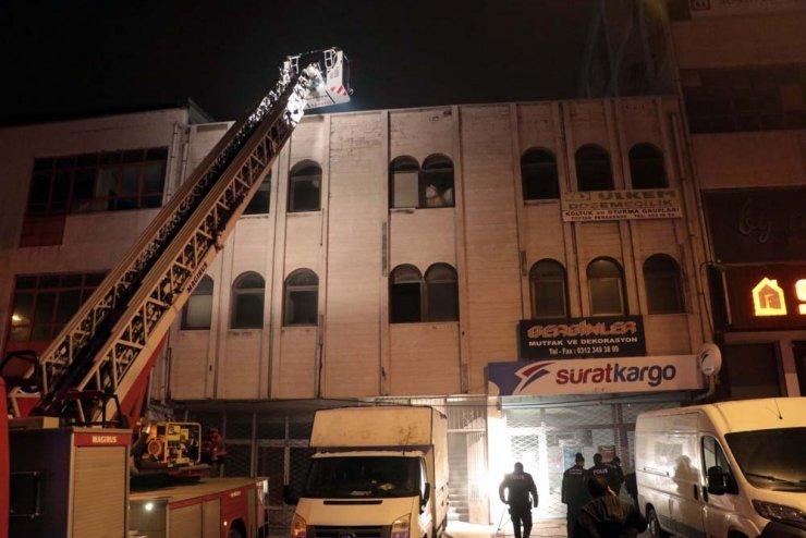 Başkent'te mobilya atölyesinde yangın: 1 ağır yaralı
