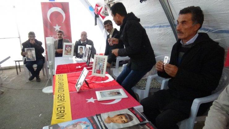 HDP önünde evlat nöbeti tutan ailelerin sayısı 59'a yükseldi