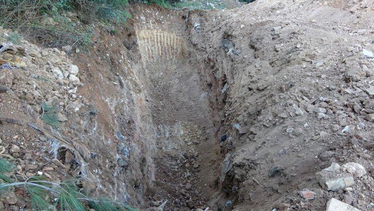 Büyükada'da kazılan dev çukurlar merak uyandırdı
