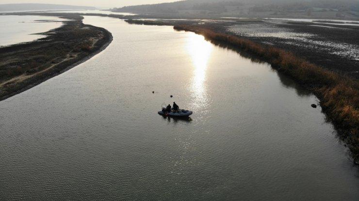 Terkos Gölü'nde kayıp 2 kişi aranıyor