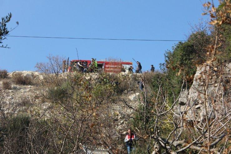 Hatay'da kamyonet uçuruma düştü: 2 ölü, 2 yaralı