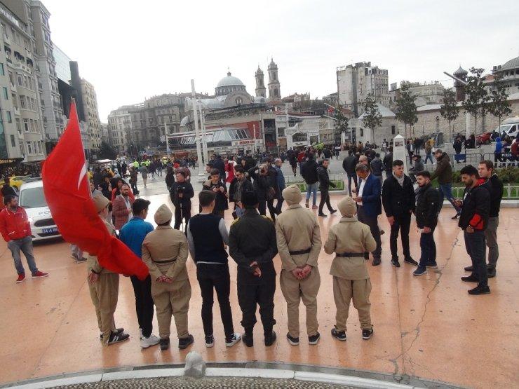 Sarıkamış şehitleri anısına Taksim'de 2 saat nöbet tuttular