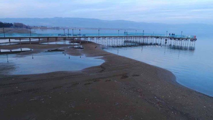 Gölbaşı'nın ardından İznik Gölü'nü de kuraklık vurdu