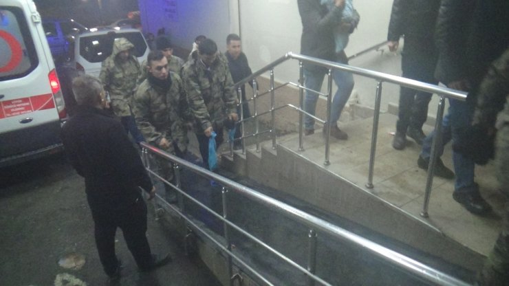 Yemekten sonra rahatsızlanan 74 asker hastaneye kaldırıldı