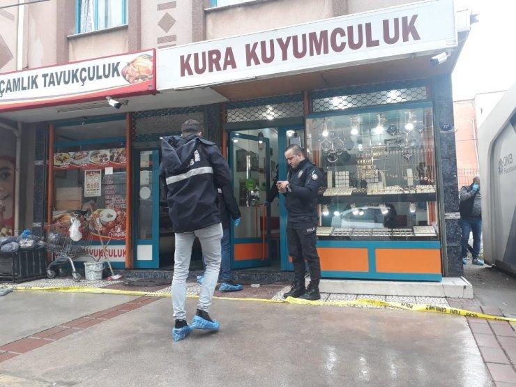 İzmir'de soyguncu dehşeti: 2 yaralı