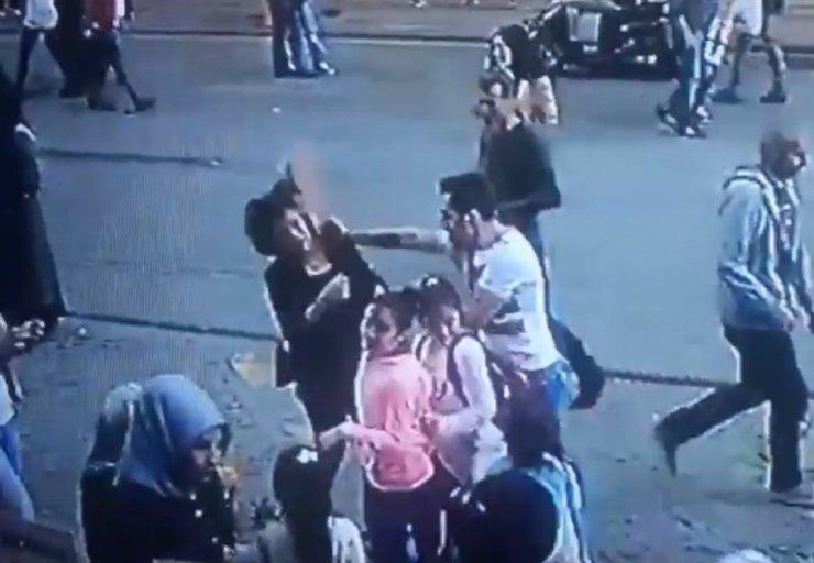 Kadını döven şahsa meydan dayağı