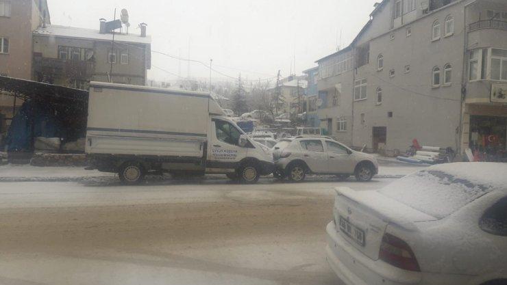 Adana yağmura, kuzey ilçeleri kara teslim oldu