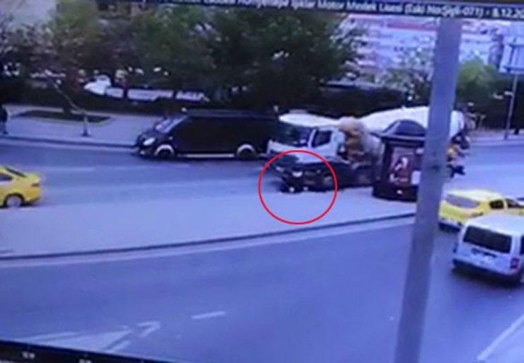 Şişli'de iki kardeşin feci şekilde can verdiği kaza kamerada