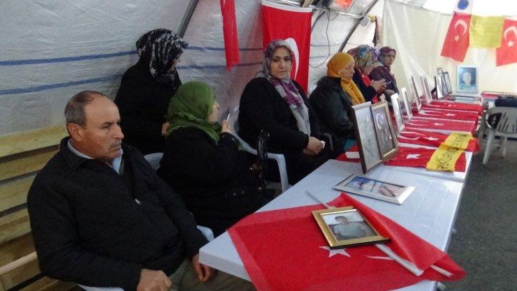 HDP önündeki ailelerin evlat nöbeti 115'inci gününde