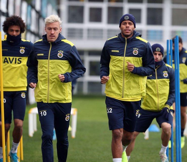Fenerbahçe'de Çaykur Rizespor maçı hazırlıkları sürüyor
