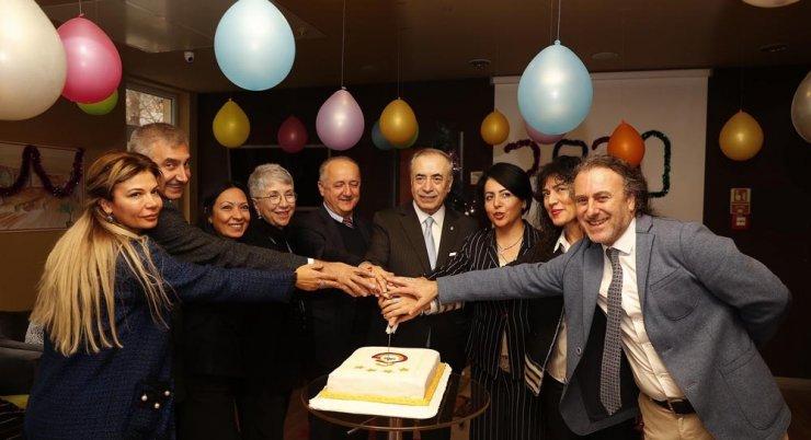 Galatasaray Başkanı Mustafa Cengiz'den Galatasaraylılar Yurdu'na ziyaret