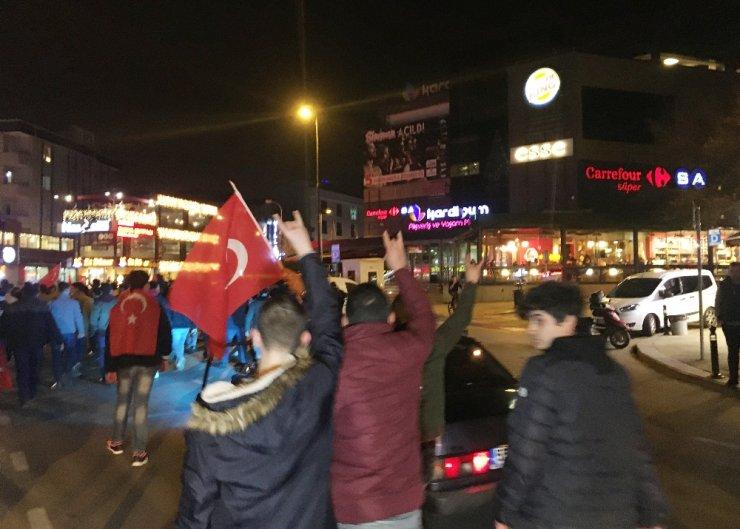 Çekmeköy'de şehitlere saygı yürüyüşü