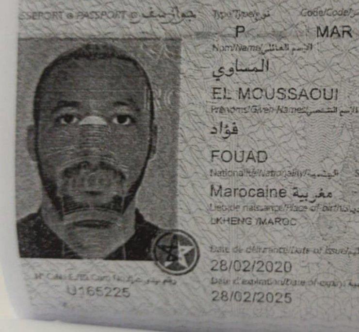 Sahte pasaportla insan kaçakçılığı yapan çete çökertildi