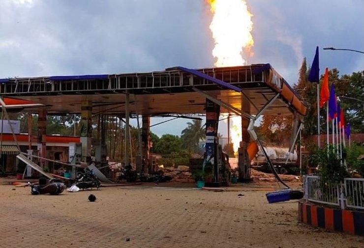 Hindistan'da benzin istasyonunda patlama : 8 yaralı