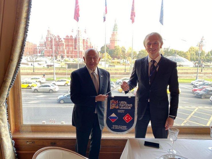 Rusya-Türkiye maçı öncesi yemek organizasyonu